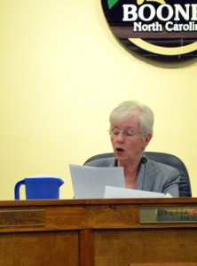 Mayor Loretta Clawson reads the town council statement. Chelsey Fisher | The Appalachian