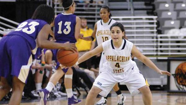 Sophomore guard overcomes ACL injury