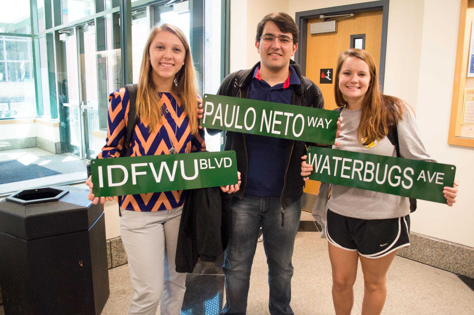 """Students """"Make-Their-Own Street sign"""" at APPS event"""
