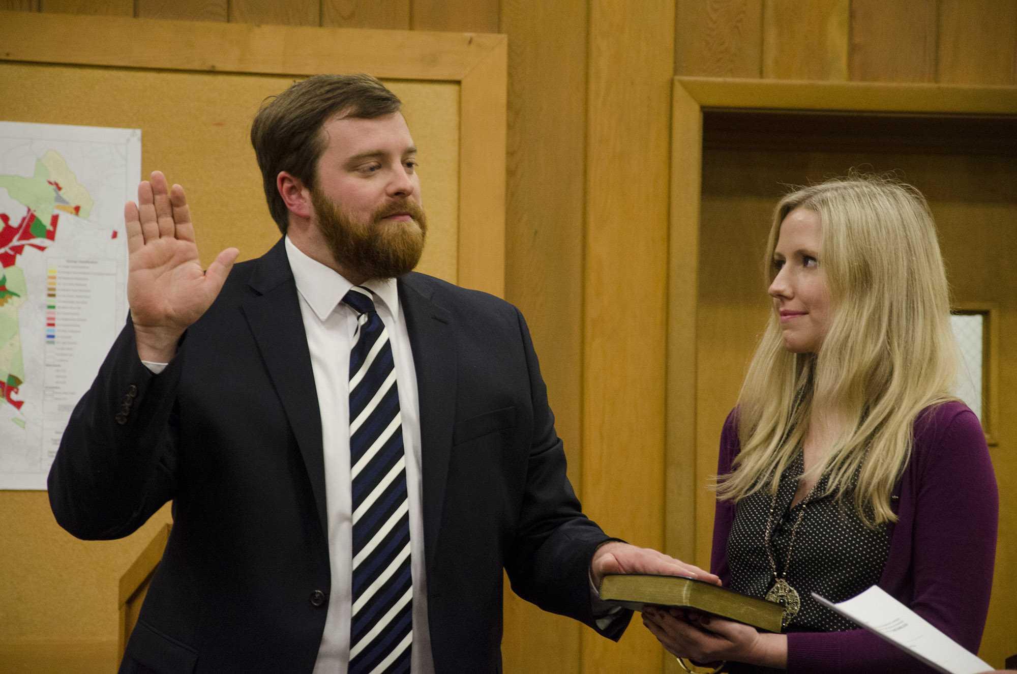 Boone's new mayor, council members sworn in