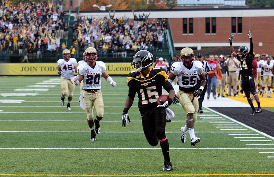 Washington accepts invitation to NFLPA Collegiate Bowl