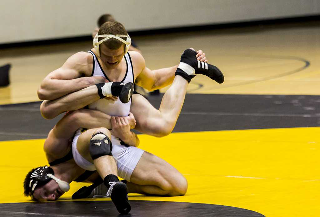 Wrestling ends season with 7-8 record