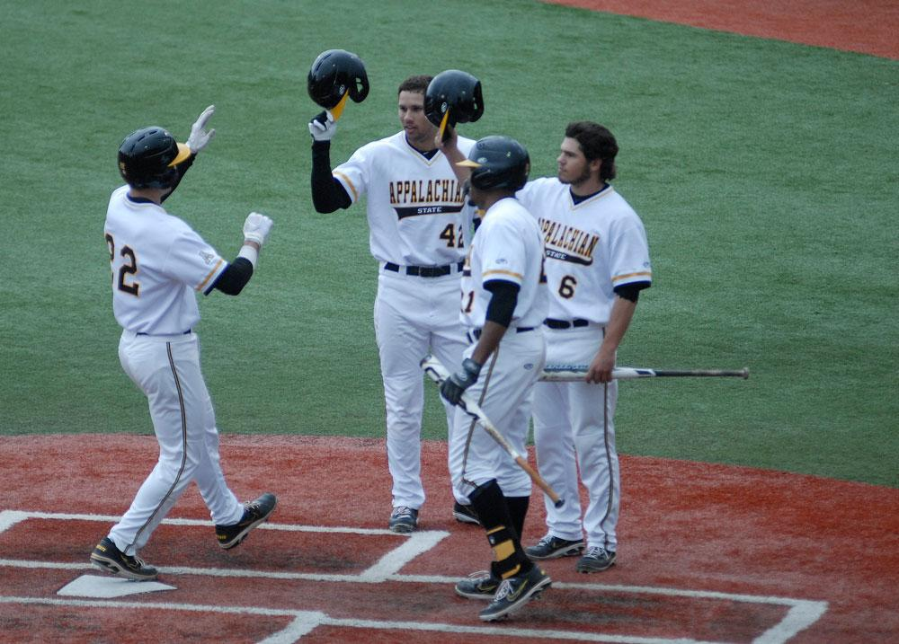 Mountaineers take two in rain-shortened series
