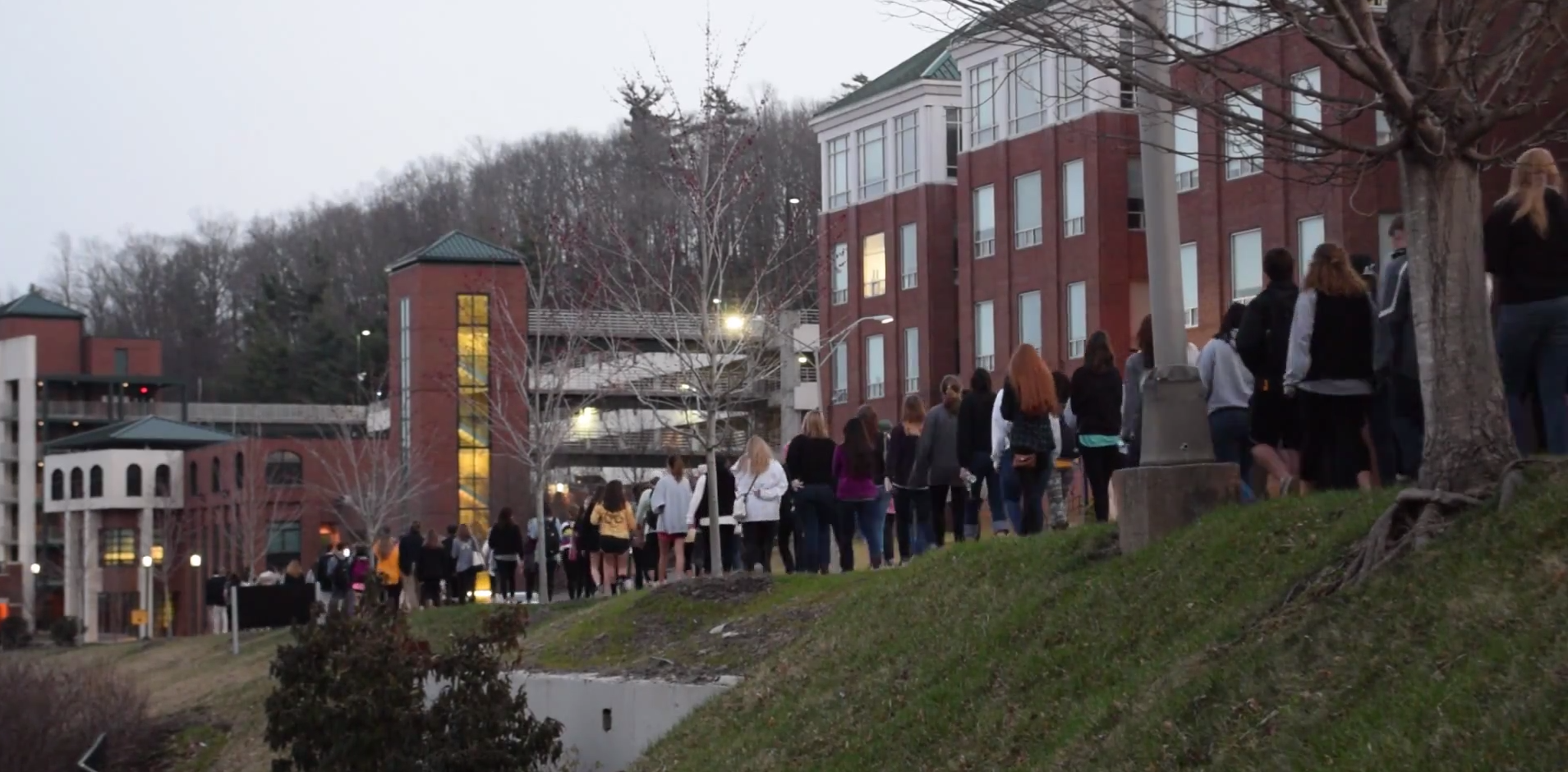 Students, faculty come together to remember lost Mountaineers