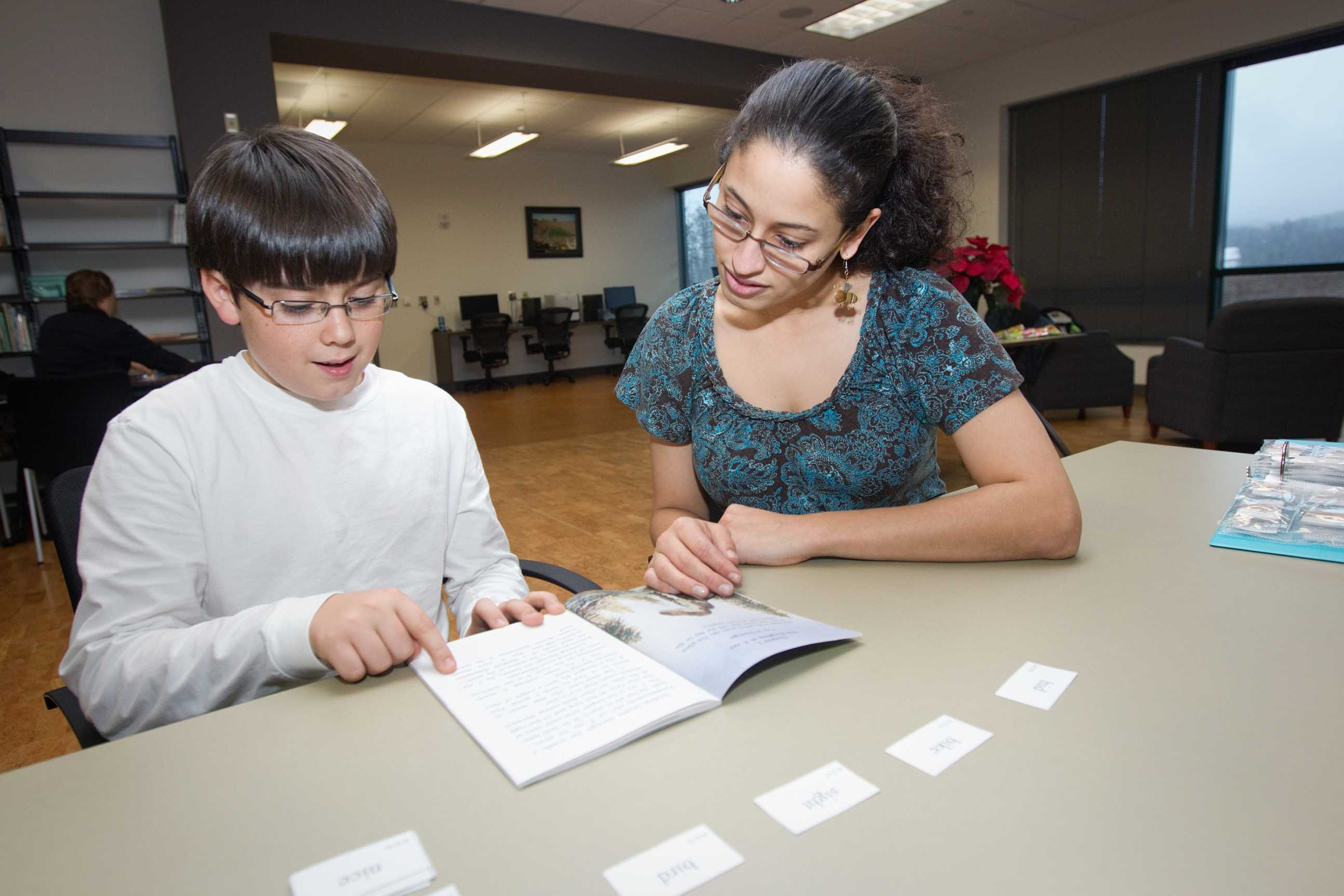 Reading clinic tutors children, provides experience
