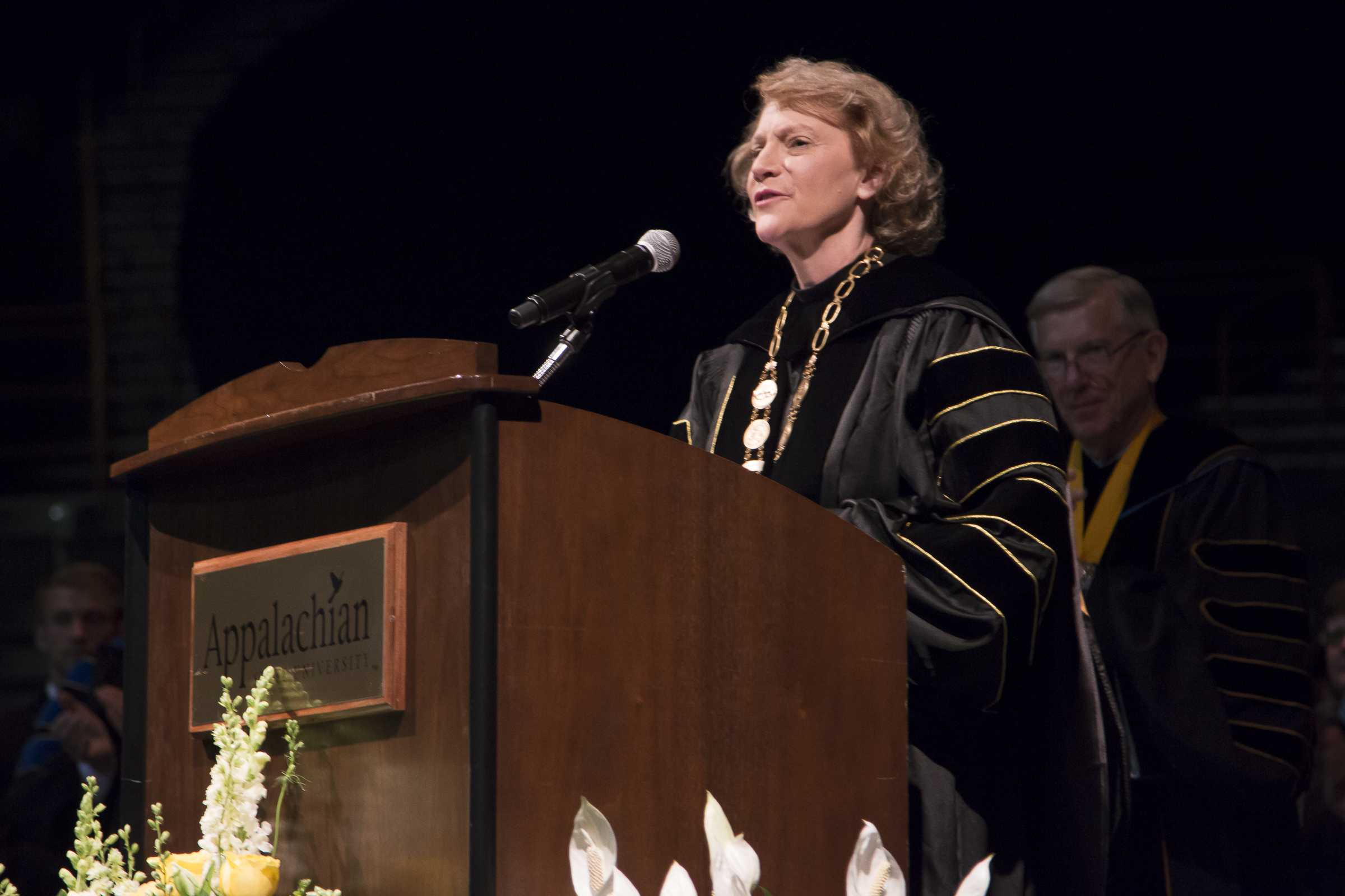 Faculty Senate sends survey to evaluate Chancellor Everts