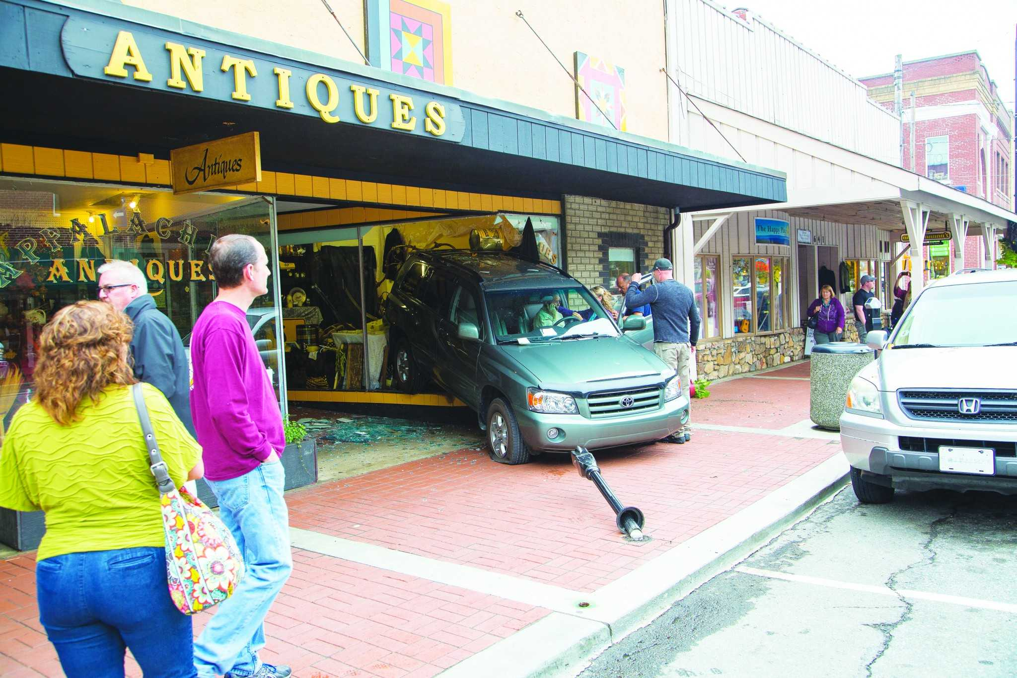Car crashes into Appalachian Antique Mall