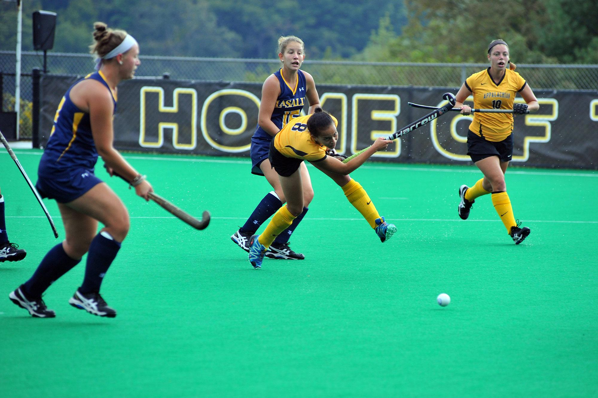 Third-ranked UNC too much for Mountaineers