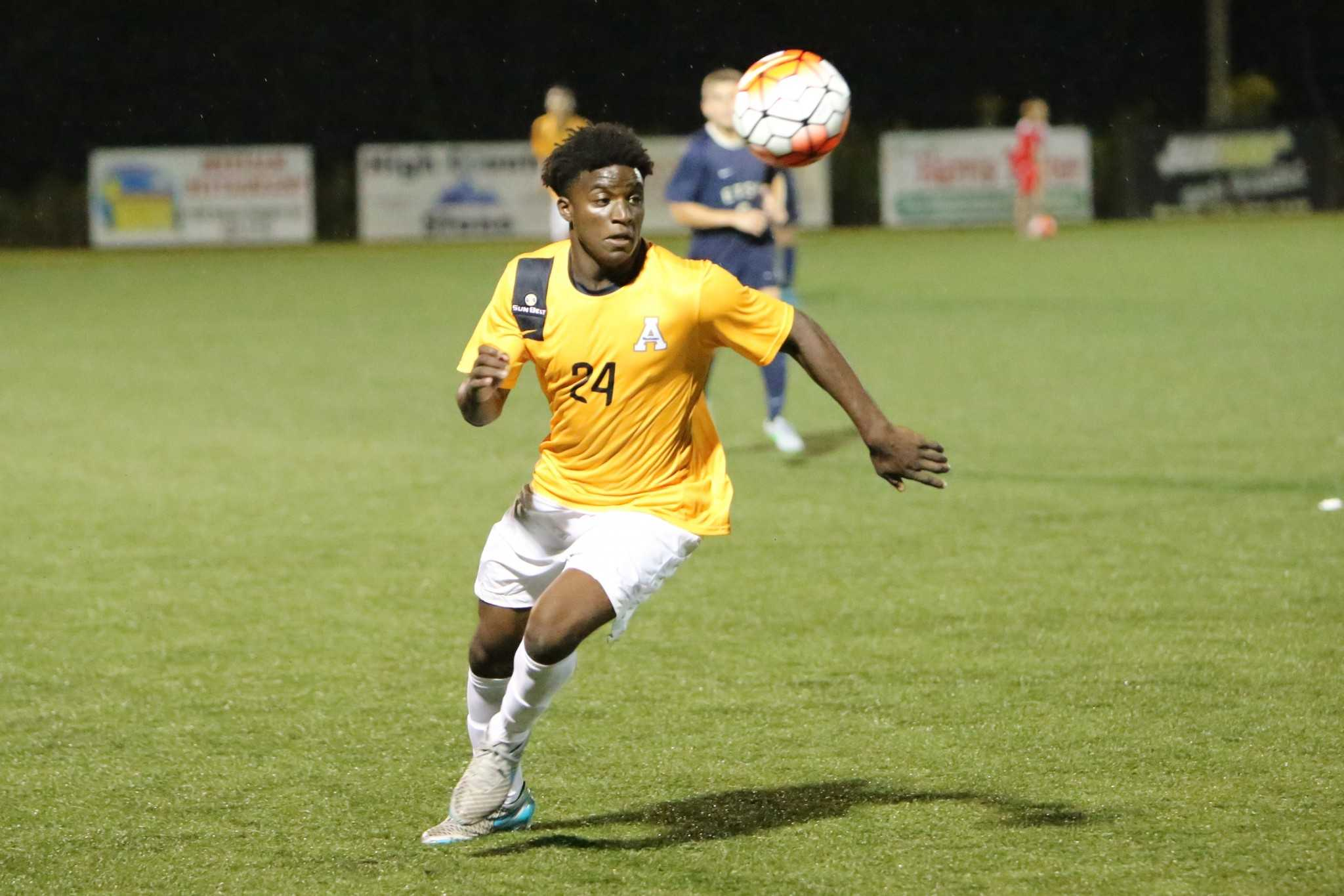 Freshman+defender+Jamir+James+goes+for+a+loose+ball+against+Eastern+Tennessee+State+University+Wednesday.+The+Mountaineers+won+the+game+2-1.%0A+Image+Credit%3A+Dakota+Hamilton