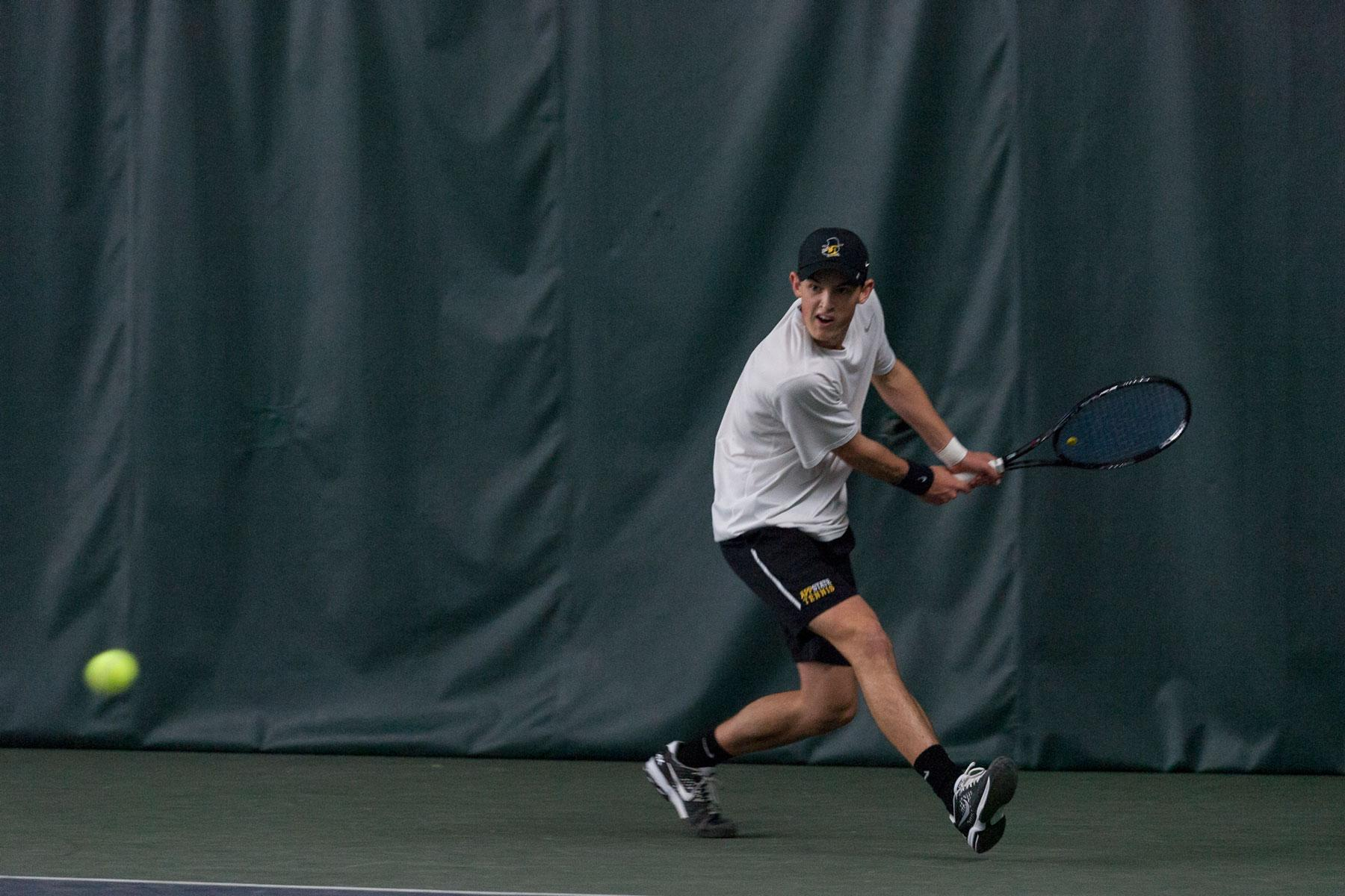 Men's tennis hoping strong fall finish will carry over