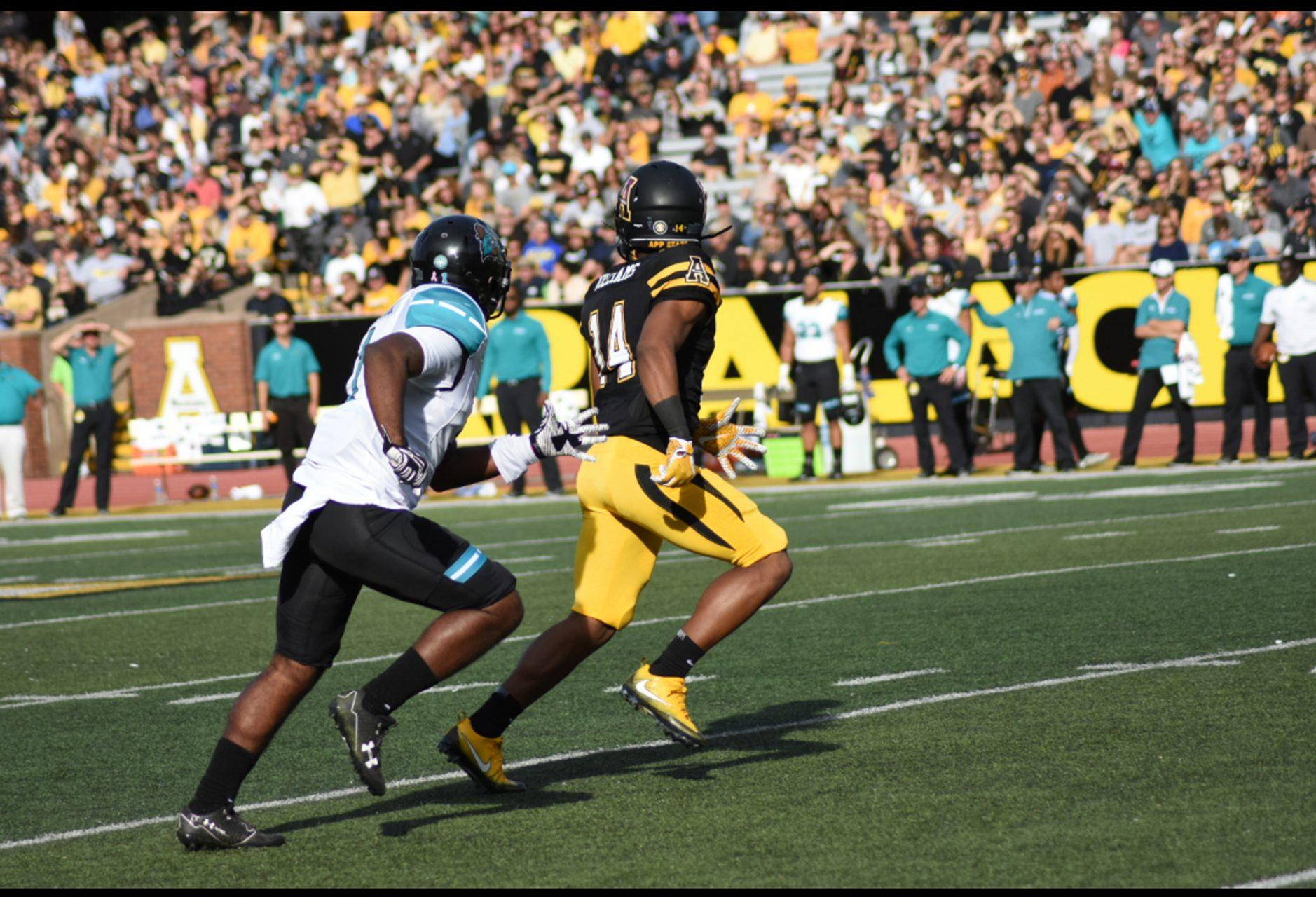 Junior+wide+receiver+Malik+Williams+going+out+for+a+pass+against+Coastal+Carolina.+Williams+has+shown+improvement+each+of+his+three+seasons+as+a+Mountaineer.