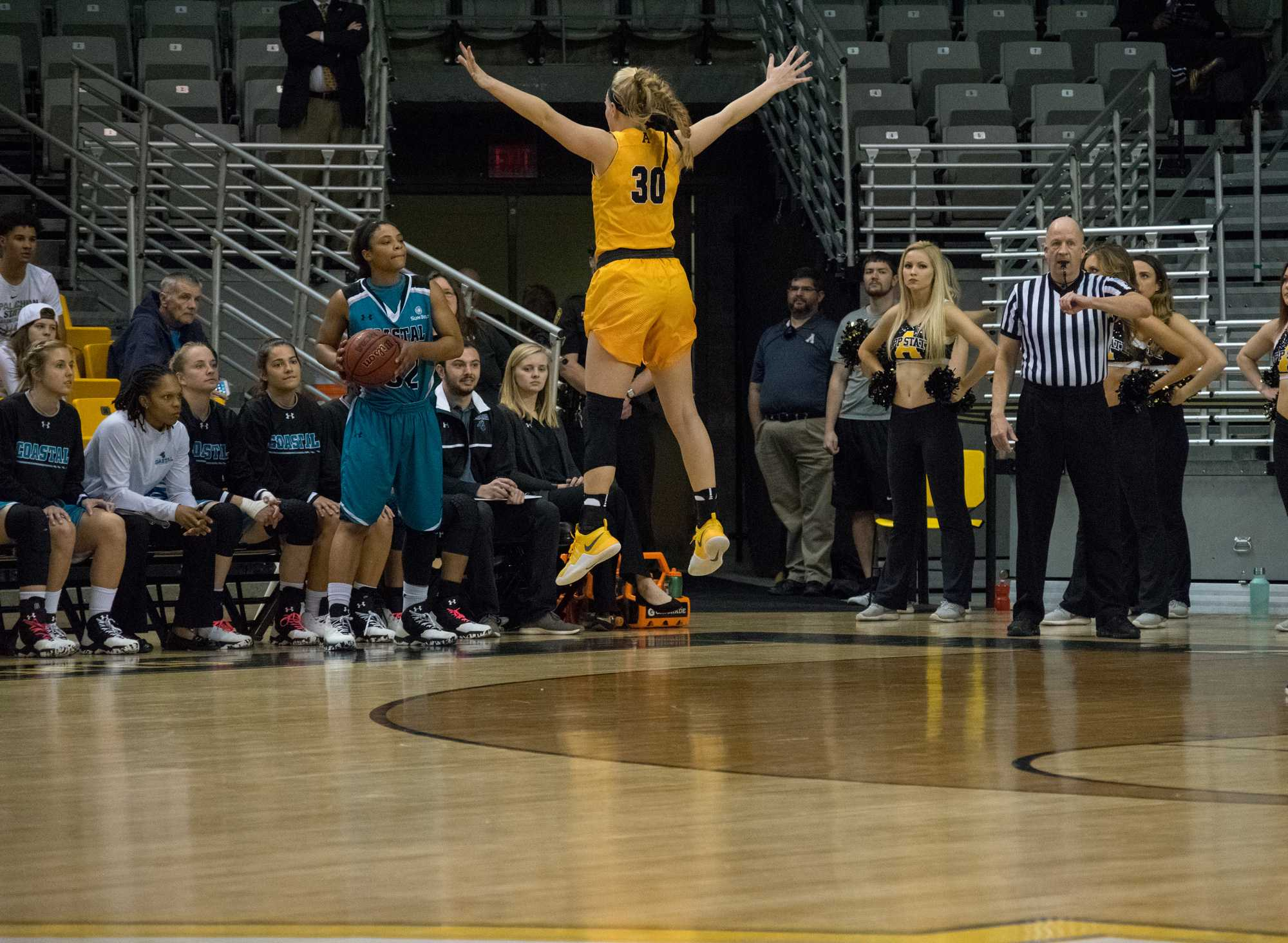 Disappointing ending to Mountaineers senior night