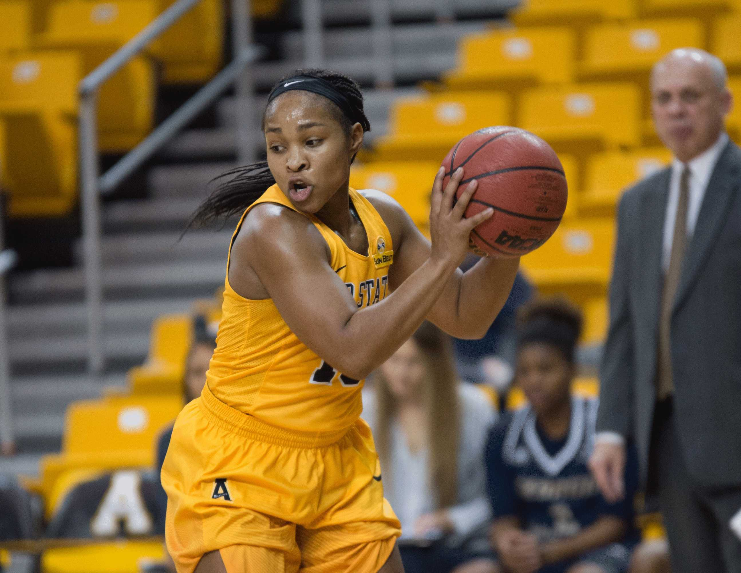 Strong start pushes App to emphatic win