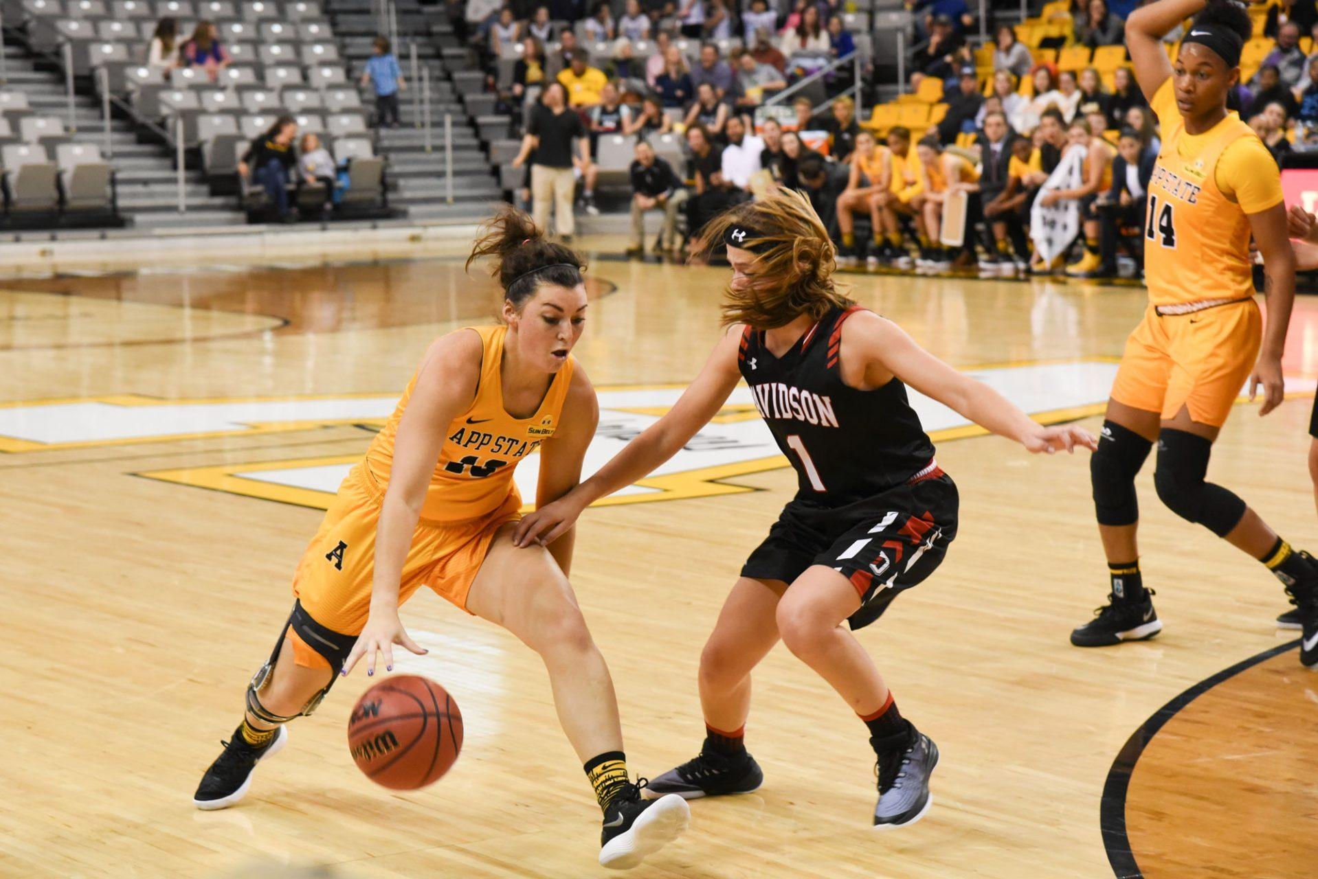 Mountaineers play catch up, but fall short to Wildcats