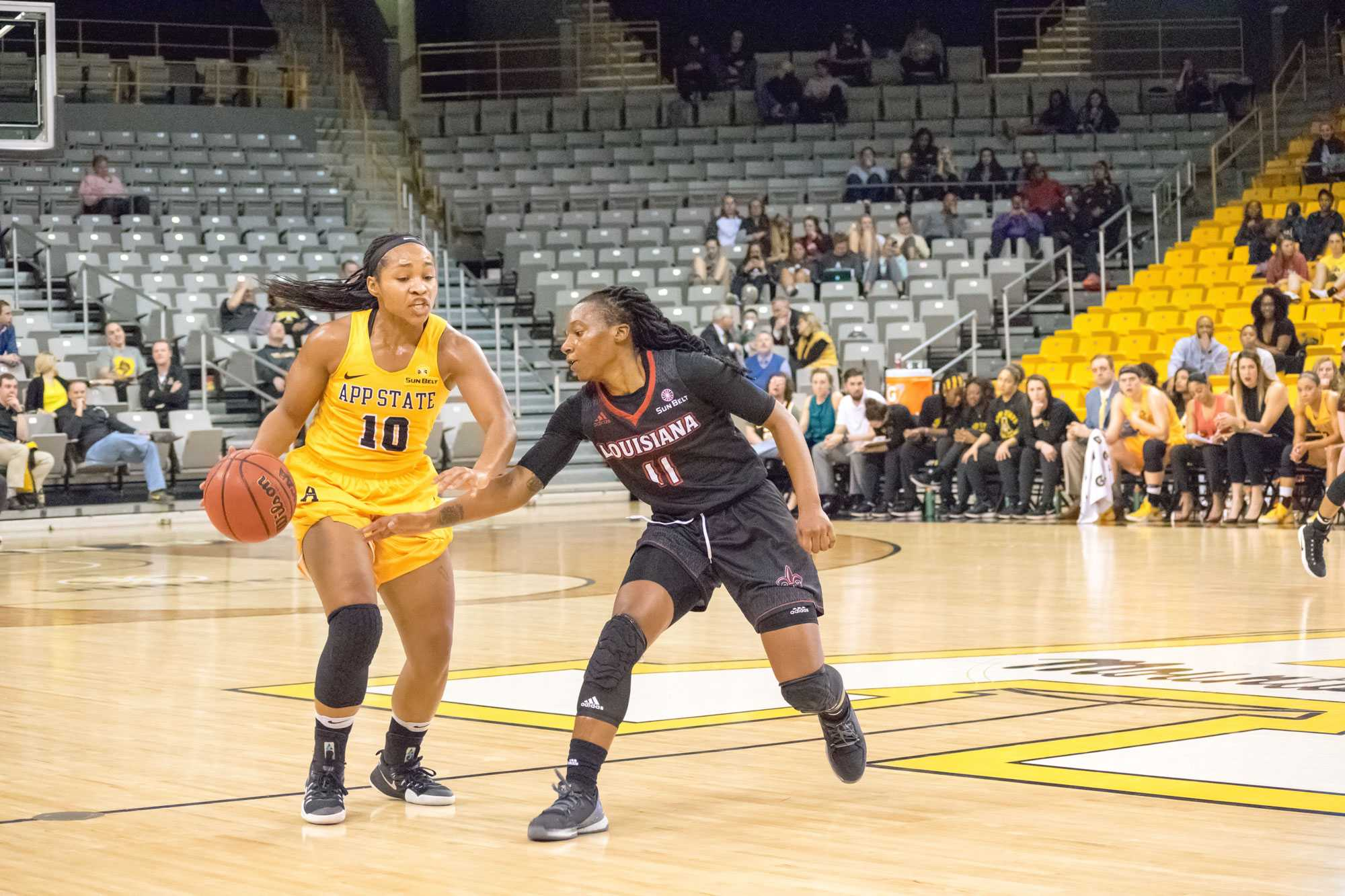 Up and down weekend for women's basketball finishes in win
