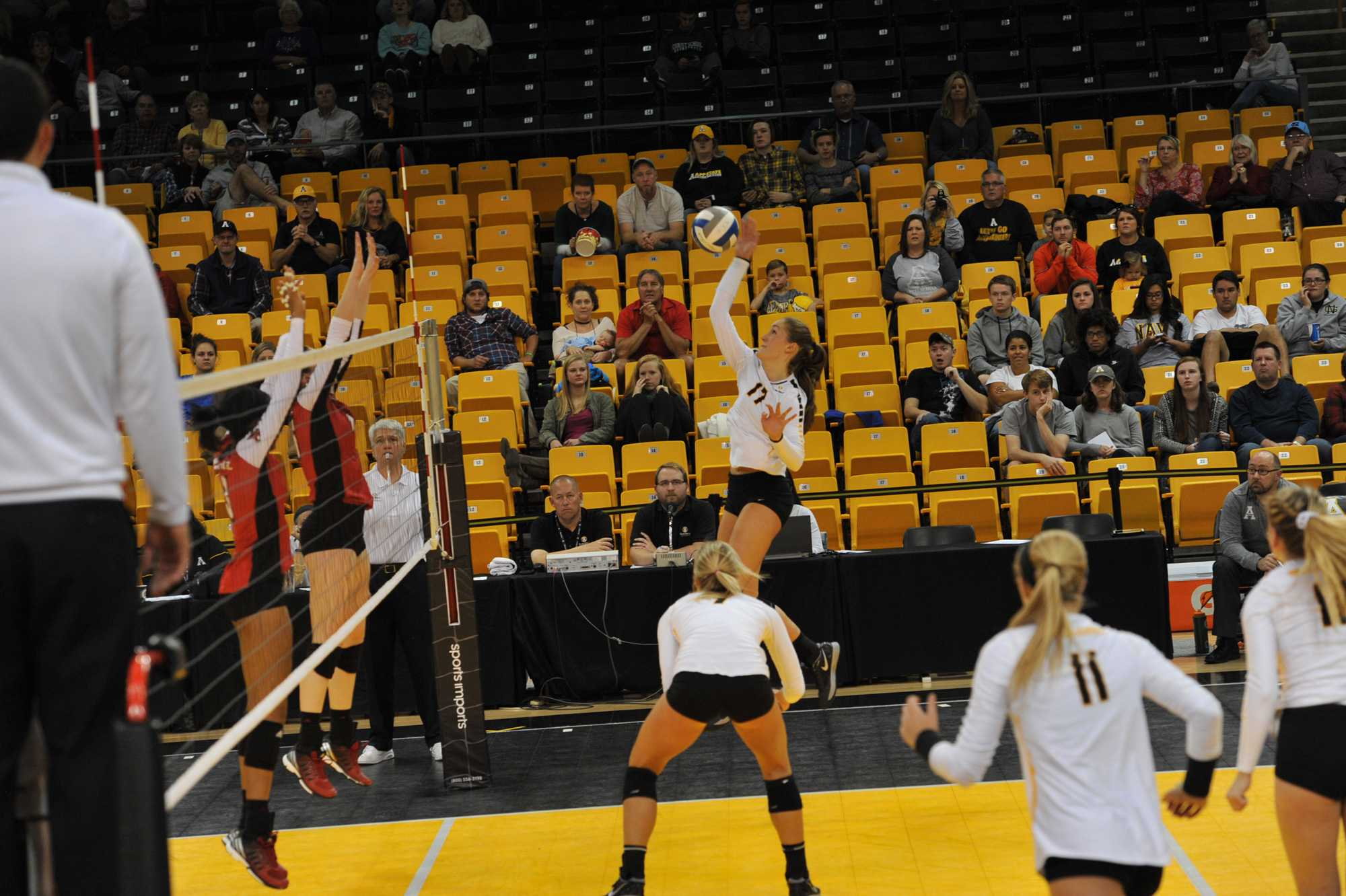 Sophomore+outside+hitter+Melissa+McMath+%28team-high+14+kills%29.+App+State+lost+to+UL+Lafayette+1-3.+Photo+courtesy+of+Dave+Mayo%2FAppalachian+State+Athletics
