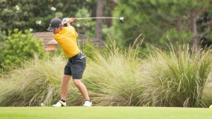 Men's golf preps for spring