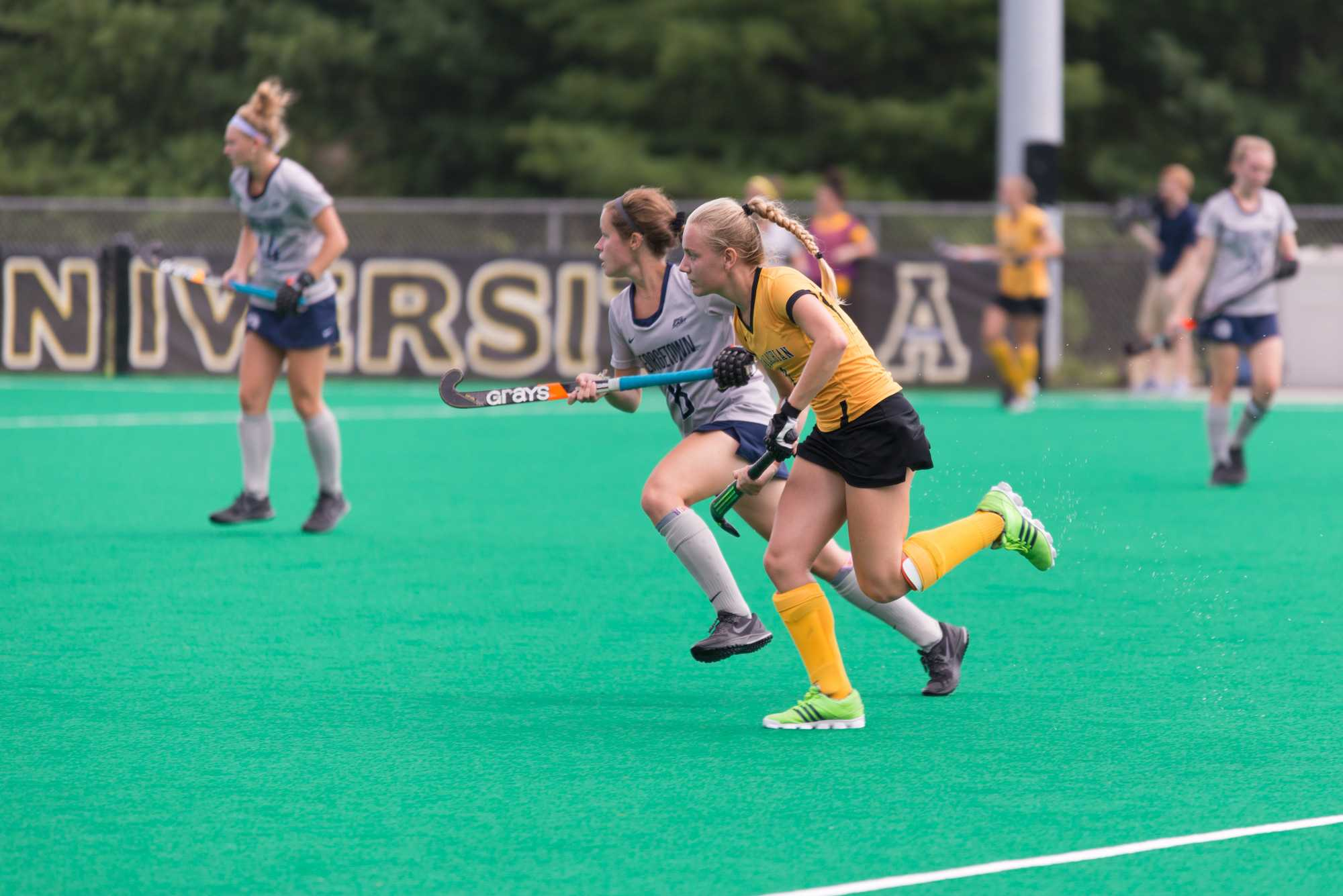 Freshman+midfield%2Fdefense+Julia+Wenz+runs+down+the+field+during+the+game+against+Georgetown+on+Sunday.+Photo+by+Dallas+Linger%2C+Photo+Editor