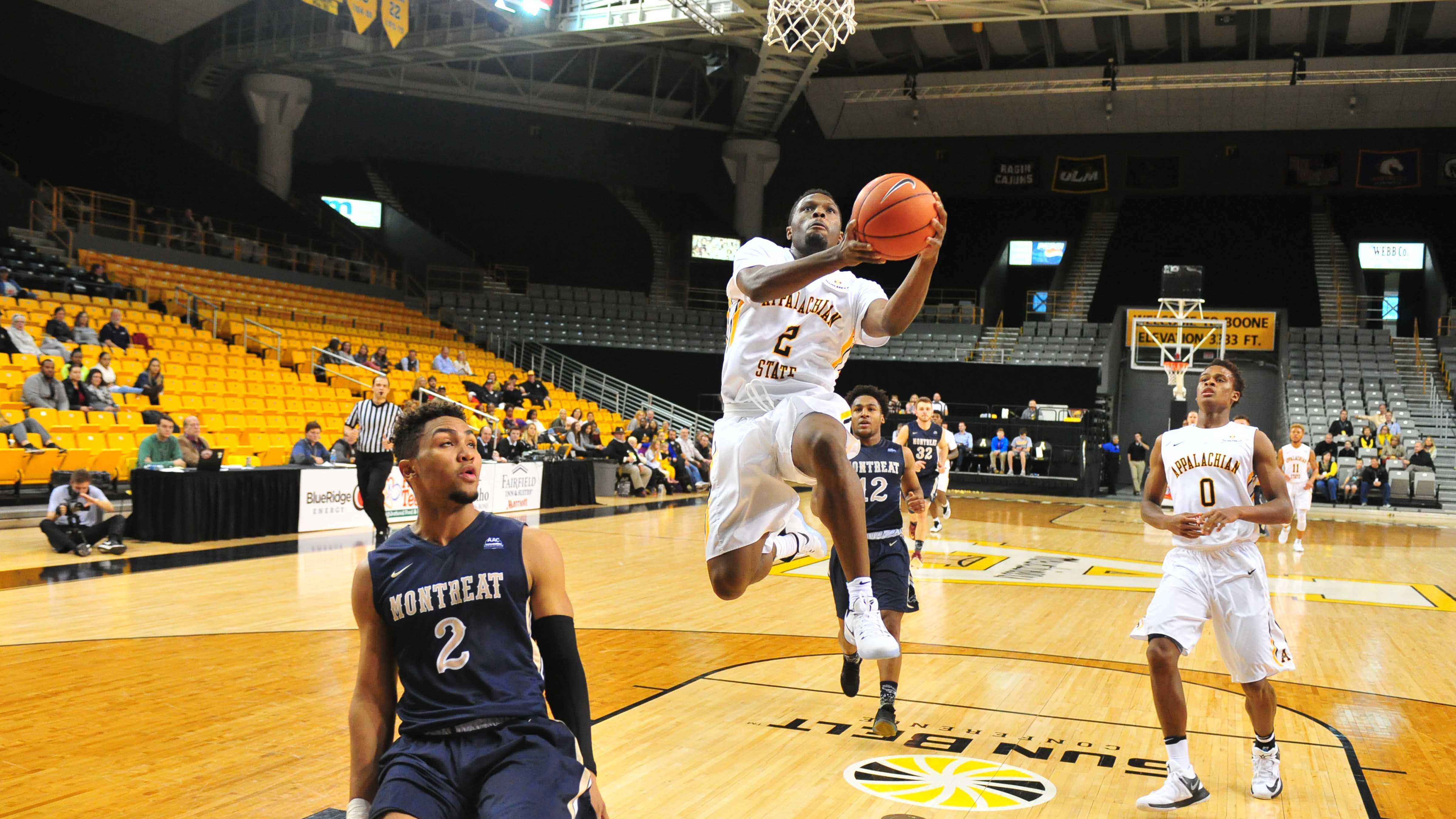 Mountaineers offense cruise to win
