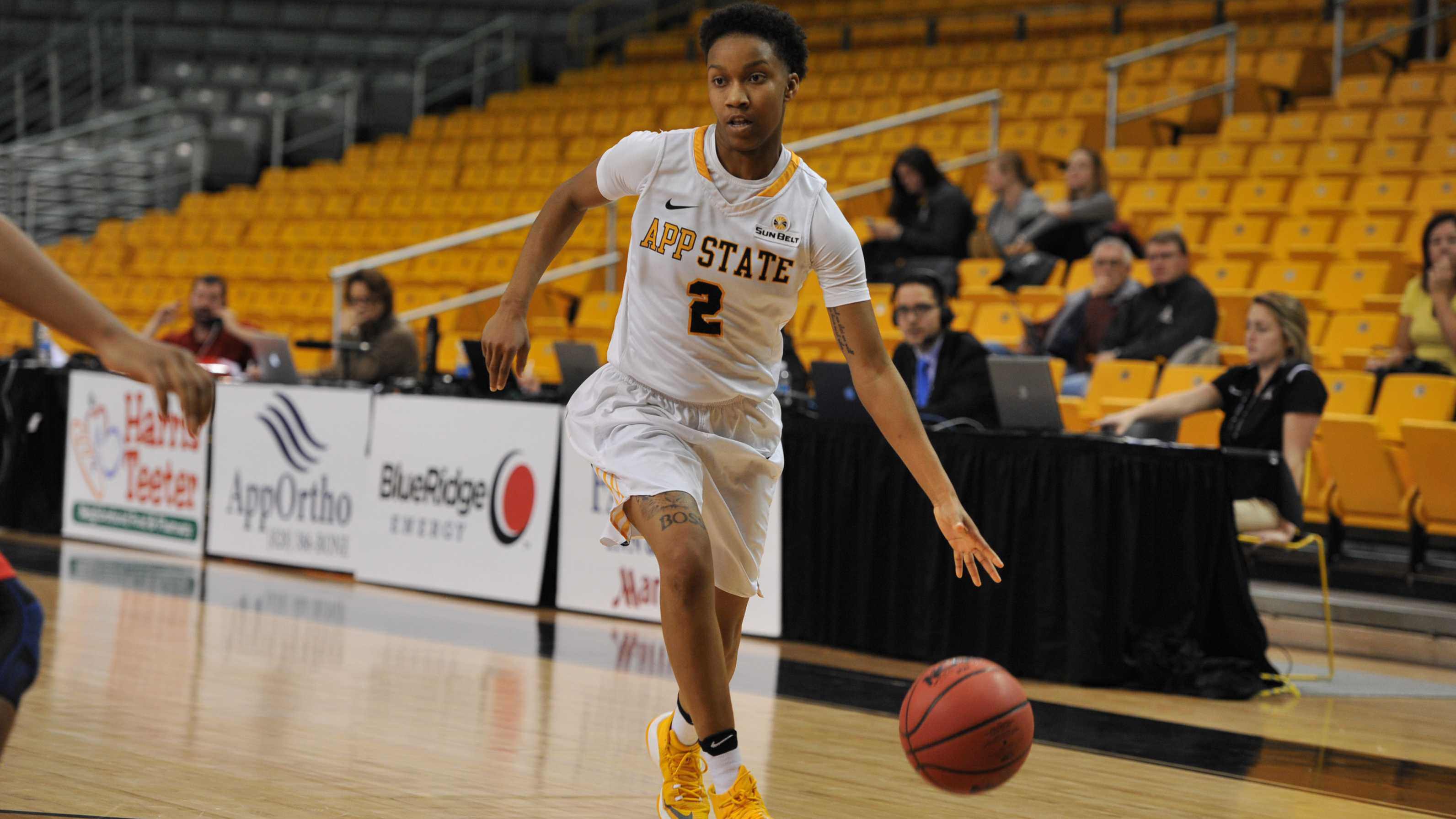 Mountaineers fall to Highlanders after slow start