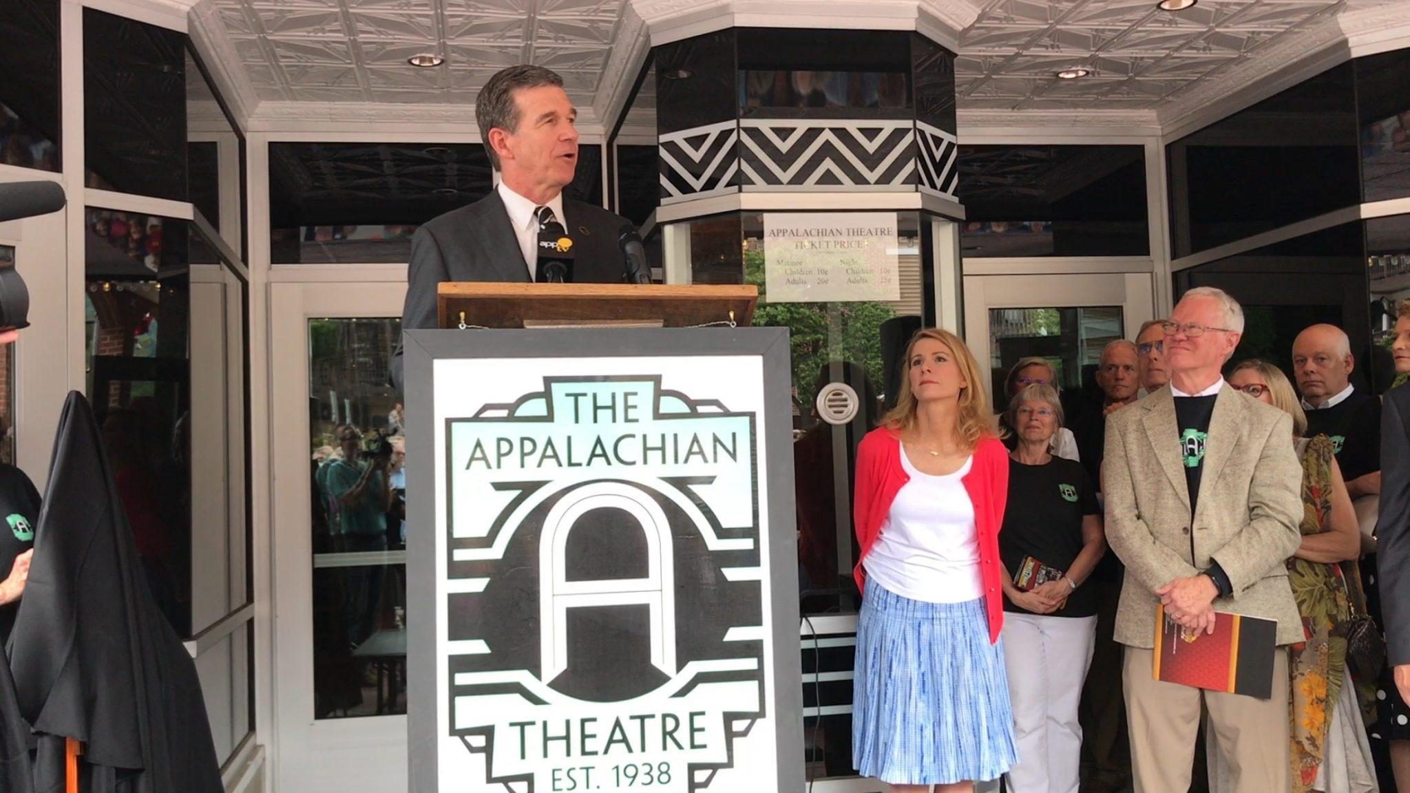 Gov.+Cooper+addresses+the+crowd+on+August+4+in+Boone+