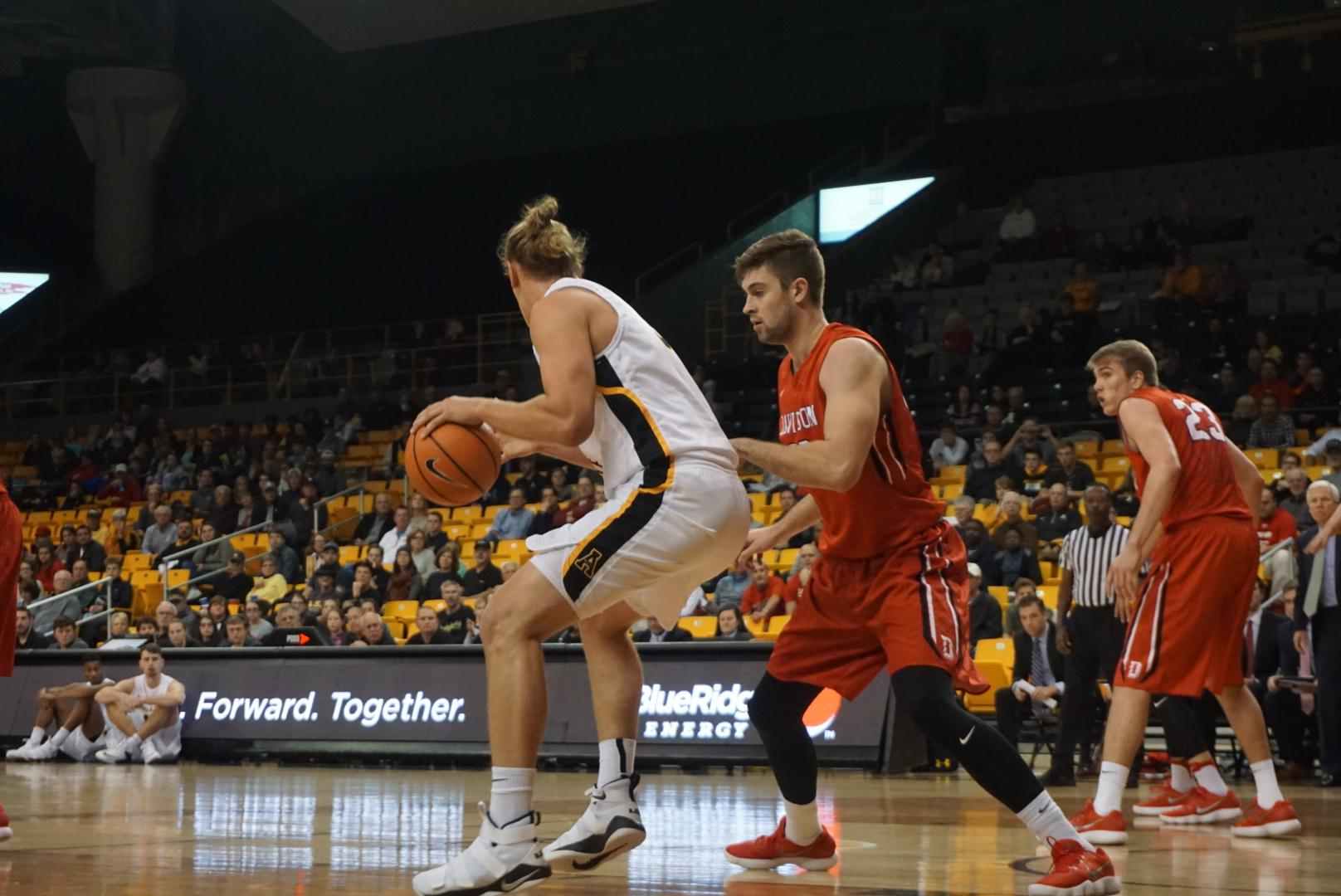Mountaineers end six-game losing streak to Davidson with big victory