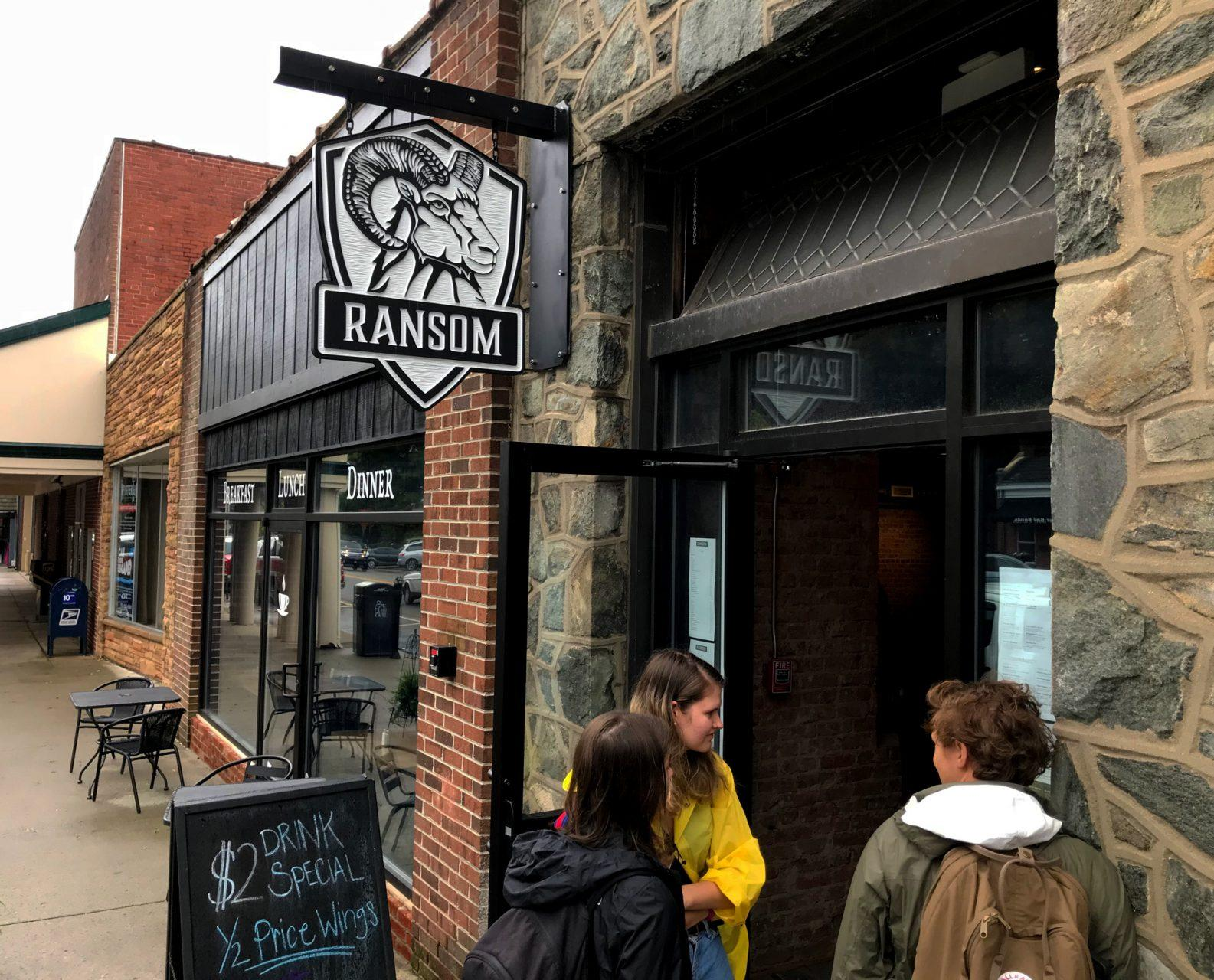 Draft beer and tuna tacos: Ransom Pub reopens