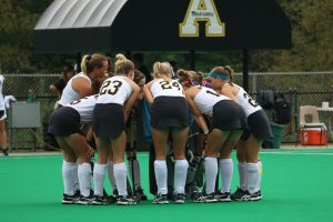 Van Heertum, Williams lead field hockey into crucial part of season