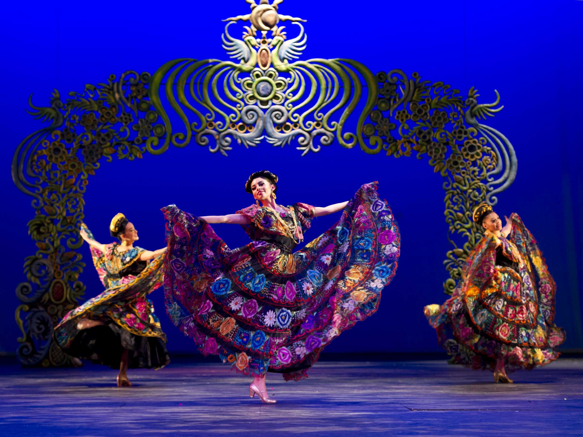 Ballet Folklórico showcases Mexican culture to educate public