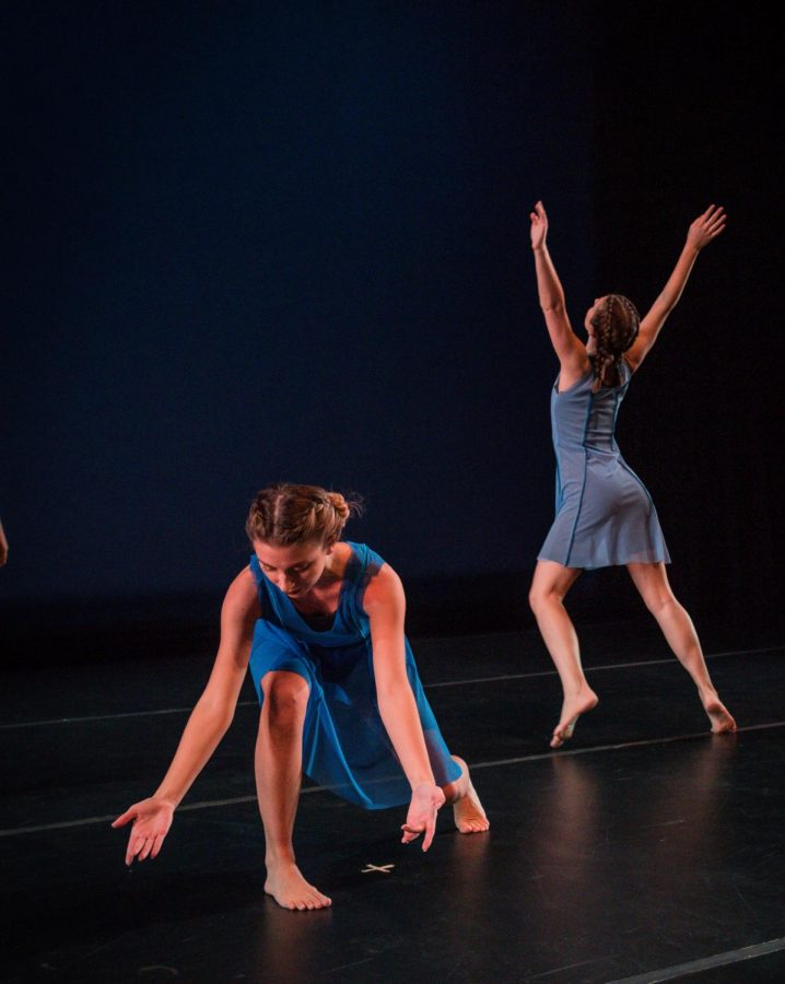 Bronwyn+Weismiller+and+Abby+Buhler+perform+a+section+from+Susan+Lutz%27s+2018+dance%2C+%22What%27s+the+Point%3F%22+The+piece+was+performed+as+part+of+the+Department+of+Theatre+and+Dance%27s+%22Fall+Appalachian+Dance+Ensemble%22+concert+in+November.+Courtesy+of+the+Department+of+Theatre+and+Dance