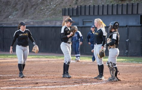 Softball scholars form relationships on and off the field