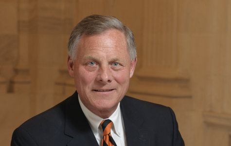 North Carolina senator steps down as intelligence committee chairman amid stock investigation