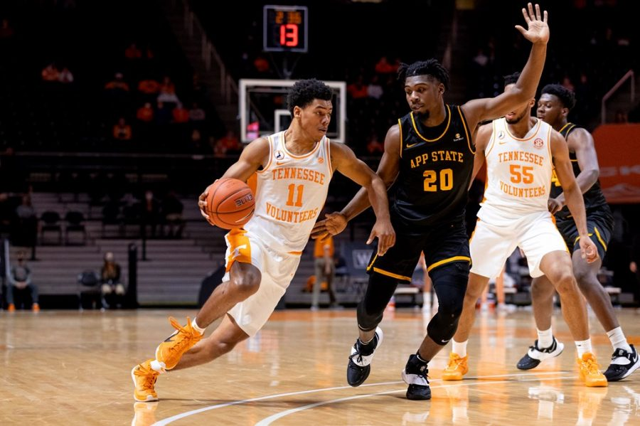 App State junior guard Adrian Delph defends Tennessee freshman guard Jaden Springer in the Mountaineers' loss in Knoxville Tuesday.