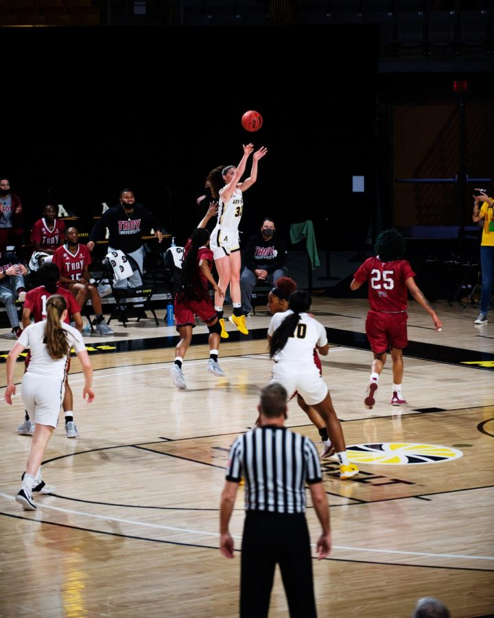 App State senior forward Lainey Gosnell takes a corner three on Friday in the Mountaineers' loss to Troy.