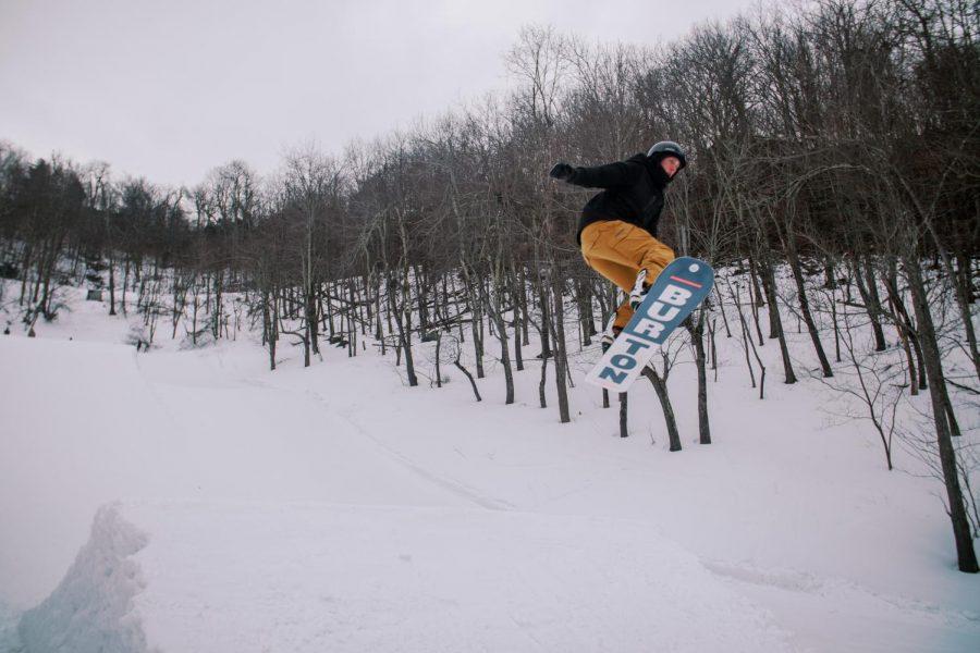 MaxCorrea_Snowboarding_BestOfBoone