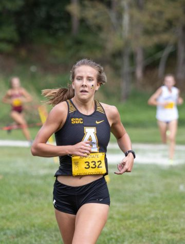 Senior Izzy Evely was the first Mountaineer to cross the finish line, earning her fourth place out of 101 runners. Evely was named the Sun Belt Womens Cross Country Runner of the Week after posting a season-best time of 17:29.08 in the Firetower Project.